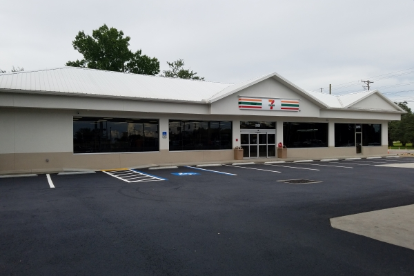 7-11 Fowler Ave